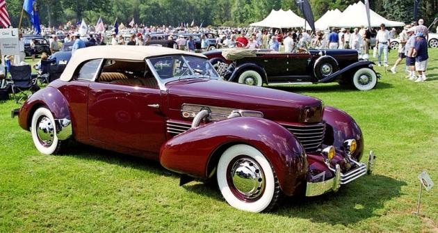 Cord 812 Supercharged Phaeton z roku 1937, který na soutěže elegance vozí Steve Schultz z Chicaga