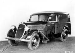 Exportní verze dodávky Popular snárazníkem a volantem vlevo (1935)