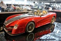 """Každou neděli dopoledne se před kavárnou hotelu Paris u Casina setkávají nadšenci exkluzivních automobilů. Na""""Cars & Cofee"""" lákalo toto speciální Ferrari 550 Sbarro"""