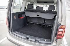 Velký zavazadlový prostor s nízkou nakládací hranou a širokým vstupním otvorem je praktický