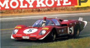 Posádka Ickx/Schetty (512 S výrobního čísla 1038) také v Le Mans odpadla, Jacky Ickx však byl sJohnem Surteesem druhý ve Spa-Francorchamps (1970)