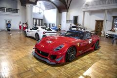 Ferrari z Itálie poslalo vzácné Ferrari 599XX, které nesmí ani na silnice, ani na závody a je určené pro specifický druh zákazníků