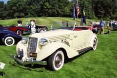 Auburn 851 Cabriolet model 1935, proslulý osmiválec 4,6 l skompresorem