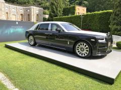 """Rolls-Royce Extended Wheelbase """"One of One"""" skombinací diamantové černé a andaluské bílé ukrývá ultraluxusní interiér"""