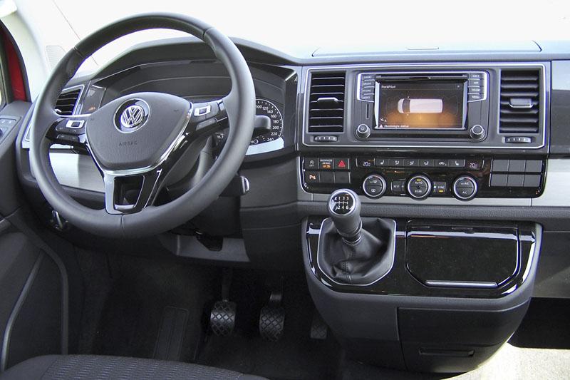 vw-Výborný volant a solidní ergonomie, to si vždy zaslouží pochvalu
