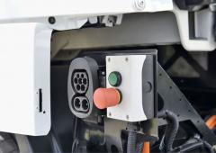 Místo pro připojení nabíjecích kabelů