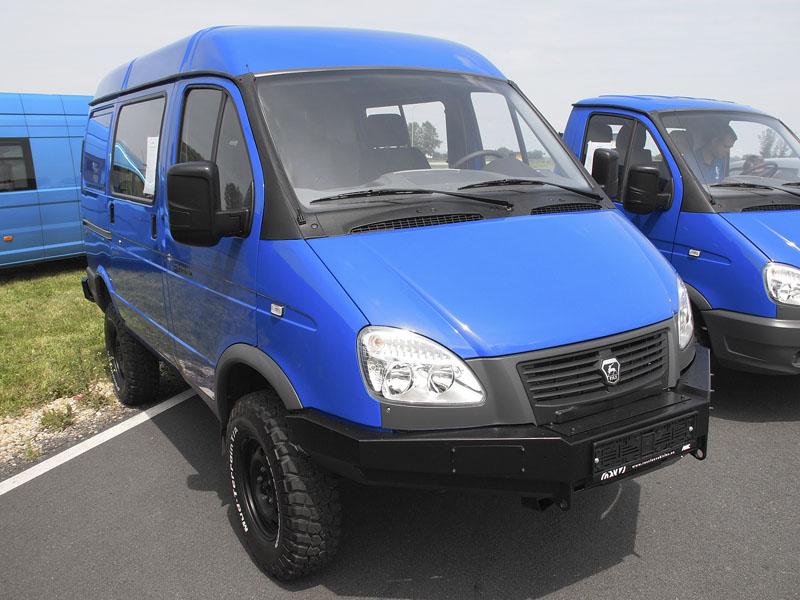 GAZ Sobol Business 27527 AMC 4X4 nabízí sedm míst a objemný nákladový prostor