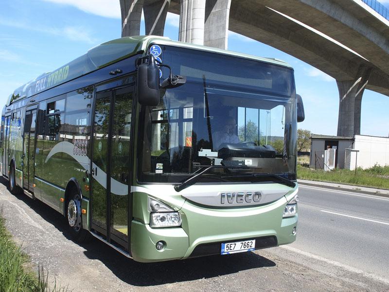 Dalším ekologickým autobusem Iveco je i hybridní Crossway