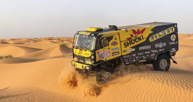 LIAZ týmu Big Shock Racing při přípravě vpoušti