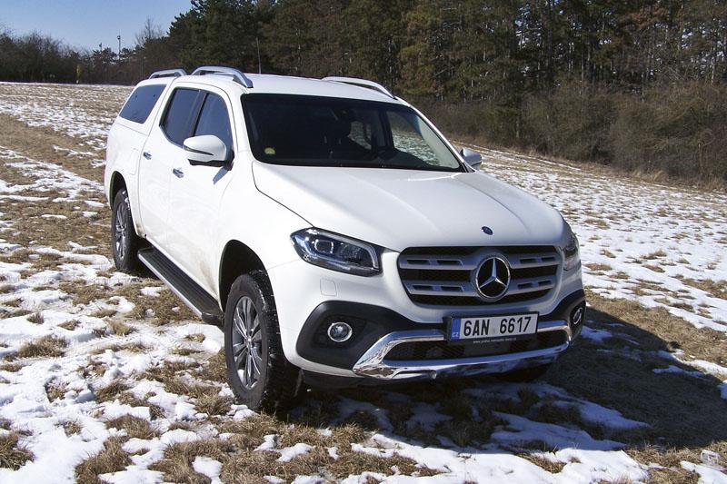 Pick-up Mercedes-Benz X 250 d Power/AT si užil alespoň zbytků sněhu