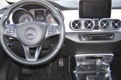 mb-Palubní deska je zcela nová, včetně přístrojového štítu i volantu