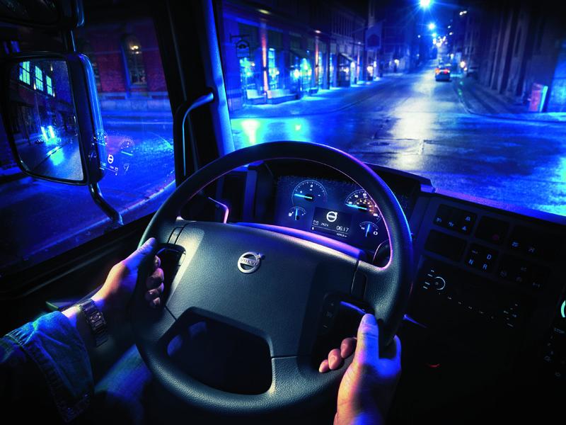 Elektromobilita je vsúčasnej dobe tlačená predovšetkým lokálnymi legislatívnymi opatreniami vyplývajúcimi zniekedy až obskúrnych požiadaviek komunálnej politiky.
