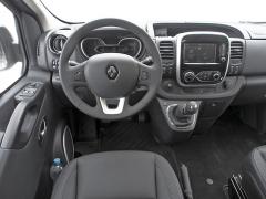 Pracoviště řidiče je promyšlené a praktické. Je z něj výhled lepší než v běžných osobních automobilech