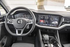 Velké displeje jsou v rámci paketu Innovision Cockpit k dispozici za 82 500 Kč