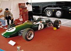 Brabham BT18 s továrním motorem Honda 1,0 l, jehož jezdci Jack Brabham a Denny Hulme vyhráli všechny závody formule 2 vroce 1966 s výjimkou jediného!