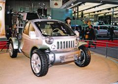 Třísedadlový Jeep Trio Concept je elektromobilem s palivovými články, představil se na autosalonu v Tokiu 2003