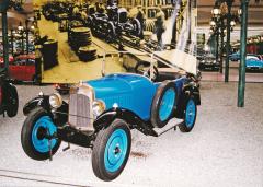 Malý Citroën C3 Torpedo zroku 1925, jeden znejúspěšnějších předválečných typů značky