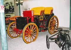 Dvoumotorový kočár bez koní Menier Double Phaeton (1893)