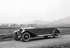 První karosovaná Tatra 17, čtyřdveřový faeton ještě bez předního nárazníku (1925)