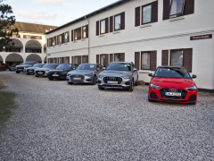 U Audi mají letos novinek skutečnou hojnost. Do Dánska nám dodali hned devět vozů nových řad A1, A6, A7, Q3 i Q8 vrůzných specifikacích