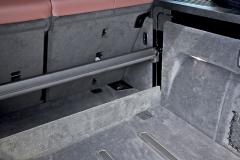 Roletu zavazadlového postoru není třeba vyjímat, lze ji elektricky schovat do podlahy