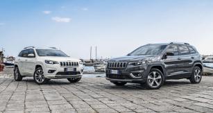Modernizovaný Jeep Cherokee jsme na Sicílii zkoušeli ve verzích Overland (vlevo) aLimited
