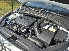 Kia Ceed GT a Proceed GT se dočkají nového zážehového čtyřválce s přímým vstřikováním a přeplňováním, jenž zobjemu 1,6 l dosahuje výkonu 150kW (204k)/6000min-1 a točivého momentu 265N.m/1500 – 4500min-1