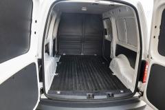 Objem nákladového prostoru činí 3,2 m3, křídlové dveře jsou příplatkovou výbavou