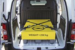 Combo van pro testovací jízdy bylo vždy vybaveno nákladem o hmotnosti 250 kg