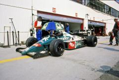 Teo Fabi (Benetton B186 BMW Turbo), pozdější vyslanec Porsche v závodech Indy Cars