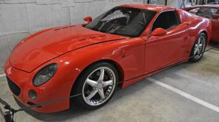 Funkční kupé Vinci GT: V8 6,0 litru (475 k/6000 min-1; samočinná čtyřstupňová převodovka; zrychlení 0 – 100 km/h za 4,5 s, 318km/h; hmotnost 1360 kg)