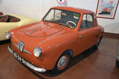 Jednou ze slibných portugalských nadějí roku 1958 byl malý tudor IPA 300 pro tehdejší typickou rodinu: 2dospělé a 2 děti. Také jeho výrobu zhatily administrativní problémy