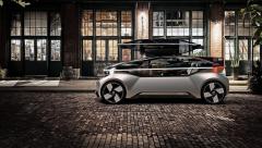 Koncept Volvo 360c pro vstup do vnitřního prostoru otevře vzhůru celý bok karoserie