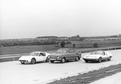 Tři příbuzní: odleva kupé ÚVMV 1100 GT, Škoda 110 R a Škoda Super Sport