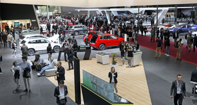Letošní pařížský autosalon byl menší co do rozlohy i počtu velkých značek. Zajímavých novinek ale nabídl mnoho