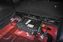 Součástí nového mild-hybridního pohonu je akumulátor v zavazadlovém prostoru