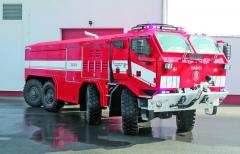 Podvozek obchodní řady Tatra Force má řízená kola všech čtyř náprav. Zajímavostí je rozvor zadních náprav, celých 2150mm.
