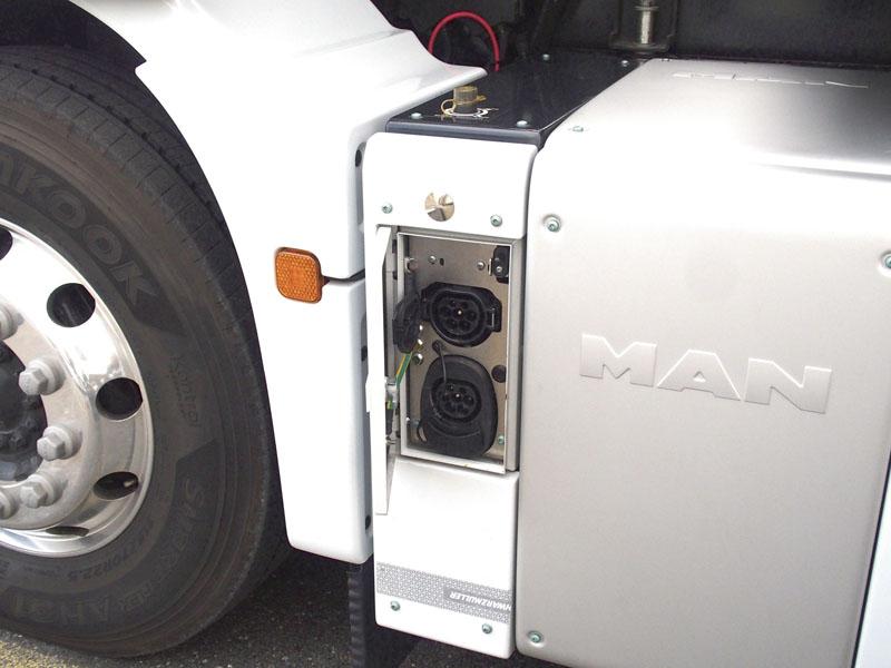 Dvaceti šesti tunové TGM dozásuvky – kapacita baterií vystačí zhruba na150km praktické a180 teoretické jízdy.