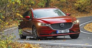 Důkladné změny vylepšily jízdní vlastnosti. Mazda 6 nyní působí mnohem bytelněji než dříve