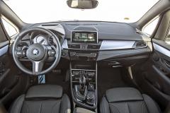 Příkladná poloha za volantem je standardem, vyspělý multimediální a navigační systém za příplatek