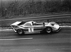 Škoda 2000 Spider II (typ 733) na trati mosteckého okruhu dne 17. srpna 1975