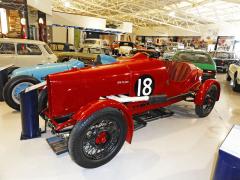 Závodní Red Flash Special, upravený Oxford, který postavil H. R. Wellstead (dealer z Walesu) v roce 1925 pro závody na autodromu Brooklands