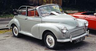 Morris Minor 1000 model 1957 nabízený k prodeji na prahu nového tisíciletí (snímek z Beaulieu 2000)