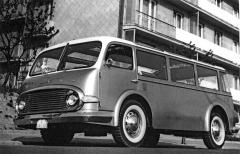 Minibus Tatra 603 MB s motorem V8 za přední nápravou aspředním pohonem (1961)