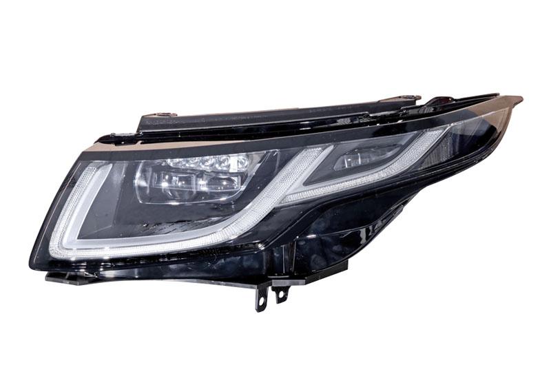 Firma Varroc vyrábí vRychvaldu přední světlomety různých typů a tvarů