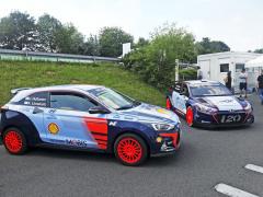 Na popularitě vozům Hyundai i20 přidávají jejich soutěžní deriváty pro kategorie R5 či WRC