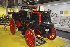 Daimler Wagonette (1897) je jedním znejstarších automobilů vyrobených na ostrovech. Má žárové zapalování trubičkou, řízení volantem či brzdy působící na pryžové obložení zadních kol