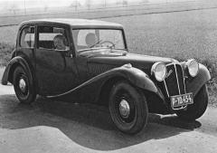 Aero 30 s uzavřenou čtyřmístnou karoserií v původním provedení z jara 1934