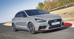 Hyundai i30 Fastback N dobře poslouží jak na závodní trati, tak v každodenním provozu