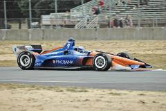 Novozélanďan Scott Dixon až v posledním závodě v Sonomě dobyl svůj pátý titul mistra Indy Cars, jeho skvělá americká kariéra začala v Indy Lights (mistr 2000)